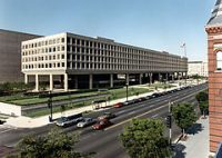 Department of Energy HQ Gets LEDs